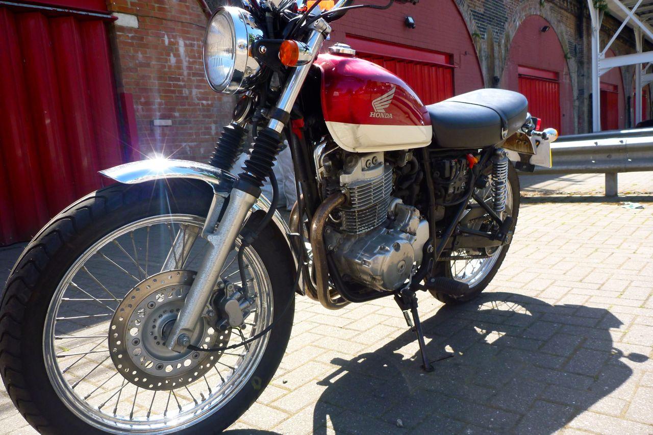 Honda CB400 SS – quick look