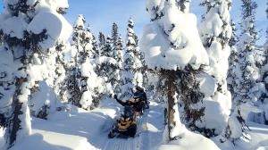 tursujuq_snowmobile_michel_harcc-morissette1