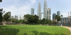 The park has a nice jogging path, a big playground, and a wading pool. It's a really nice oasis in KLCC!
