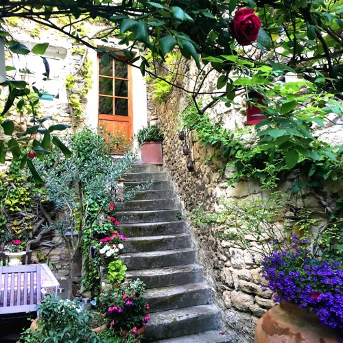 Welcome to Provence inspiration photo. Ellen Lindner, AdventureQuilter.com/blog