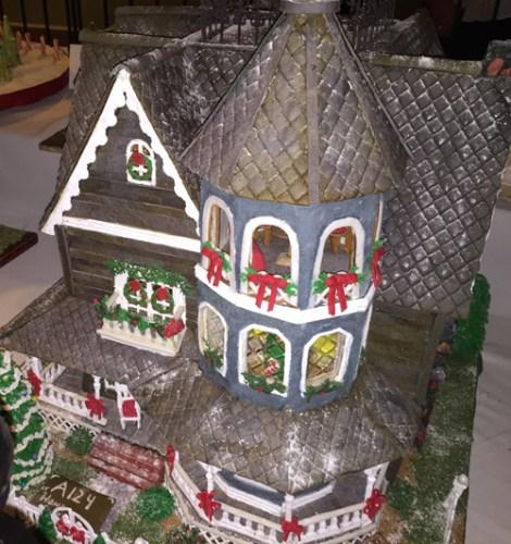 Gingerbread at Grove Park Inn. Ellen Lindner, AdventureQuilter.com/blog