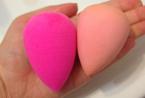 Rickycare Original 3D Blender versus the BeautyBlender
