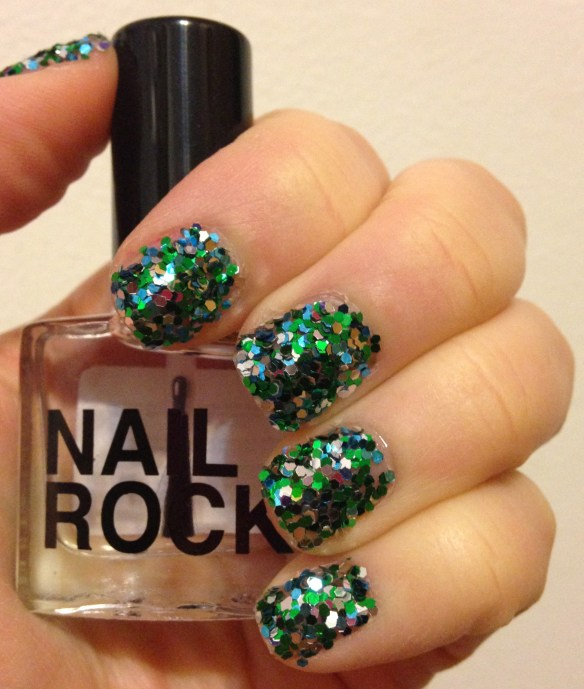 Nail Rock Sequin Manicure