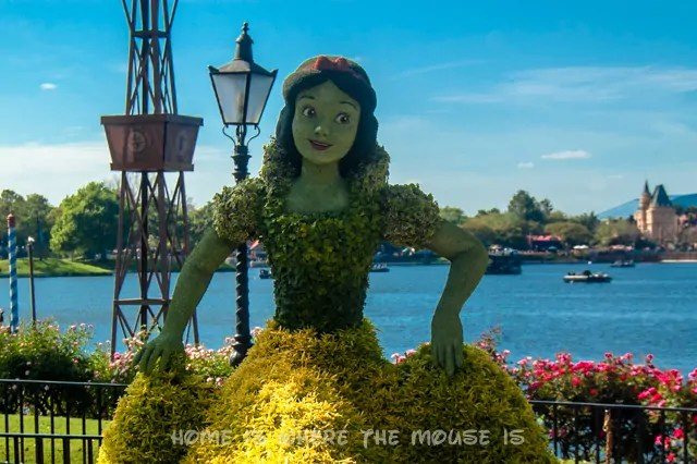 Snow White Topiary at the Epcot International Flower & Garden Festival