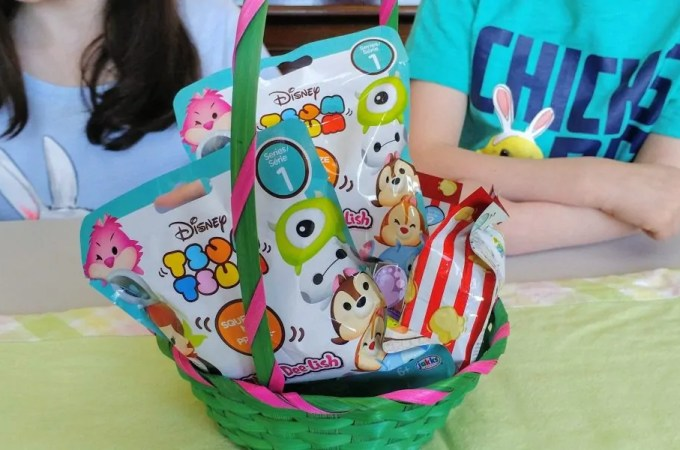 Disney Tsum Tsum MiniFigure and Squish-Dee-Lish Easter Basket
