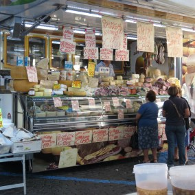 Market-orvieto-adventures-in-italy