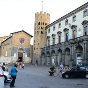 adventures-in-italy-orvieto-piazza-della-repubblica