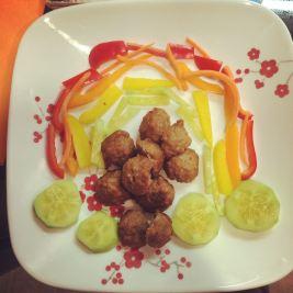 Rainbow veggies + meatballs