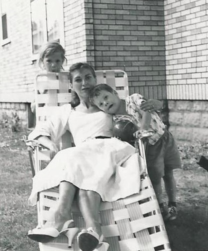 Young Betty with two kids