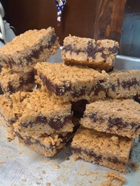 Crunchy Fudge Bars