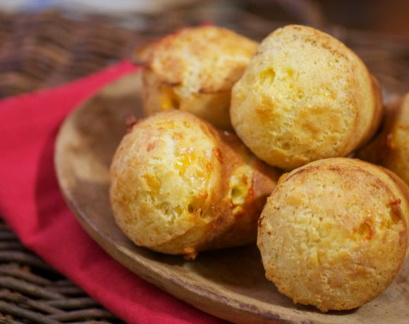 Cheddar Cheese Rosemary Popovers