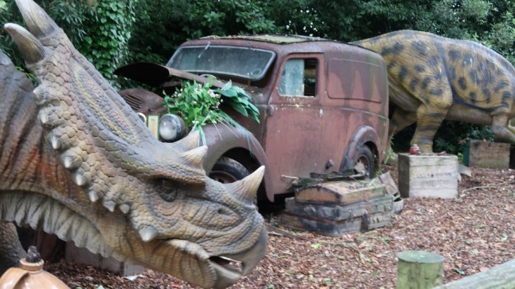 vintage car and dinosaurs Tamba Park Jersey