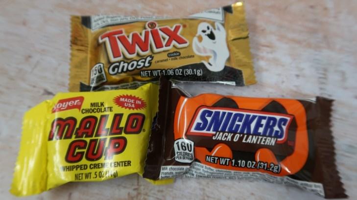 taffy mail subscription box mallo cup twix ghost snickers jackolantern