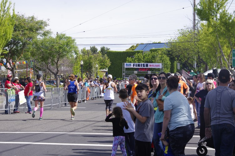 2016-03-20 Pahla Runs a Sub-Four Marathon in Modesto! 034
