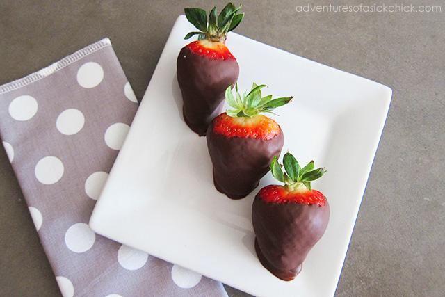 Chocolate Dipped Strawberries (Paleo and Vegan)