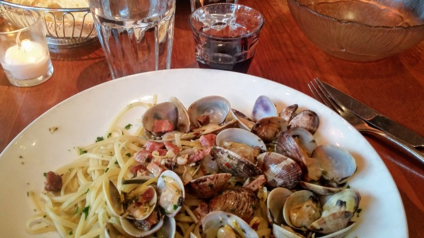 Linguine alle vongole--to die for!