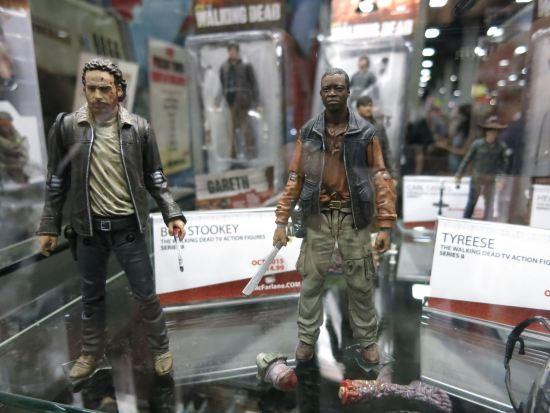 Rick Grimes + Bob Stookey (RIP) action figures (McFarlane).