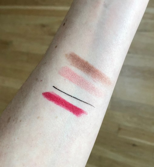 December Play! by Sephora makeup sample swatches