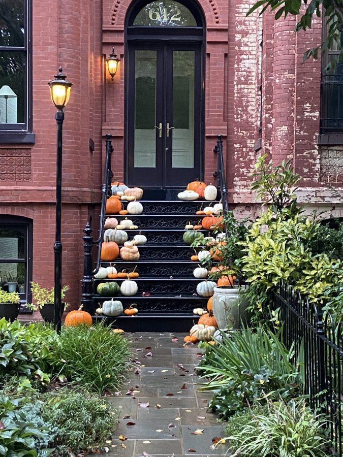 Pumpkins on stoop