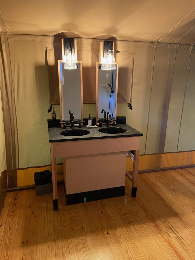 Double sink in Bayberry tent