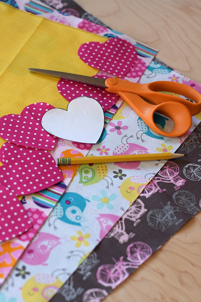 Valentines Day Heart Garland Cute And Easy Sewing Project