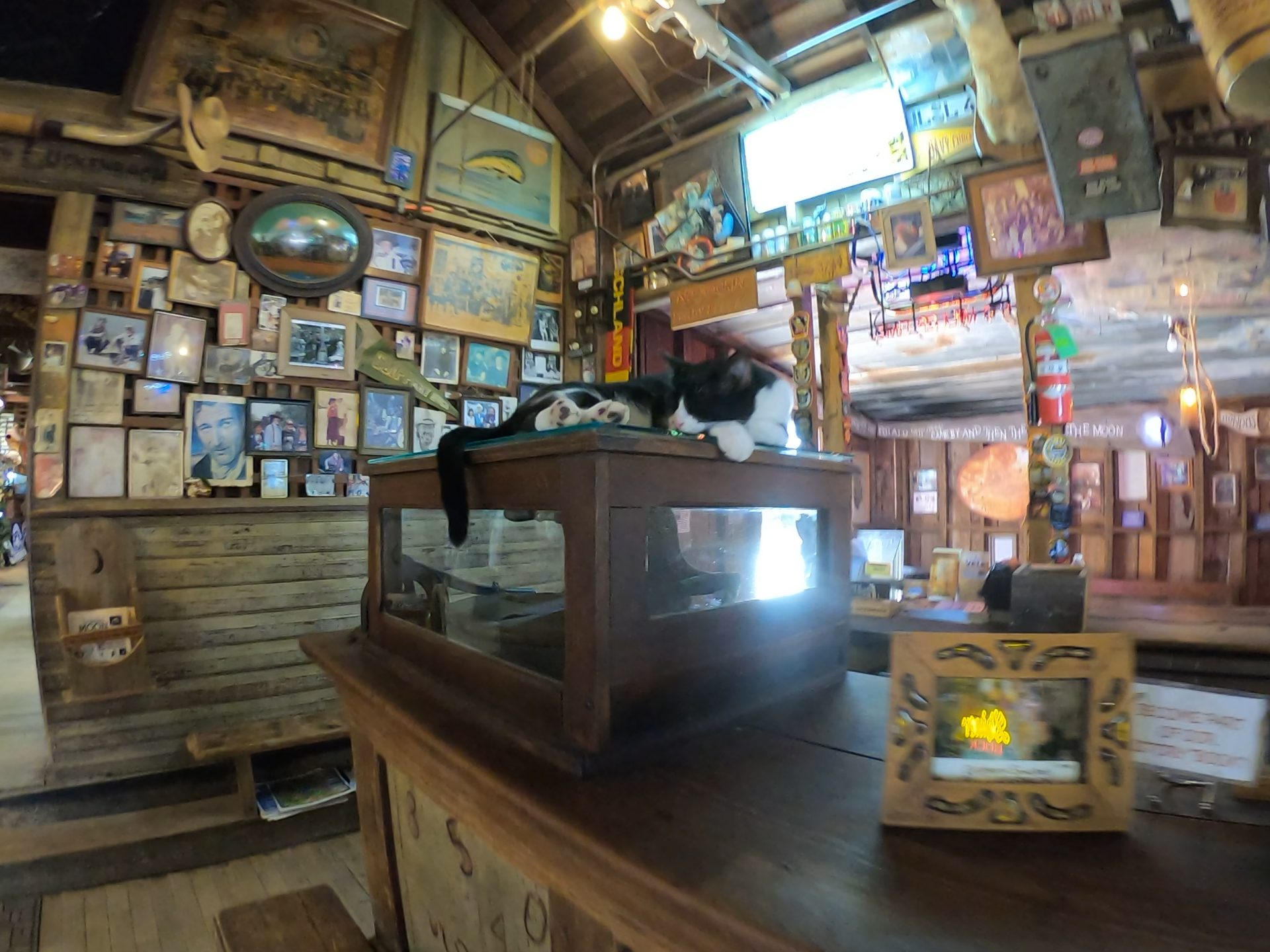 Luckenbach-General-Store