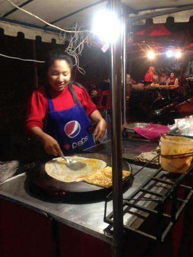 Roti lady, never without a queue