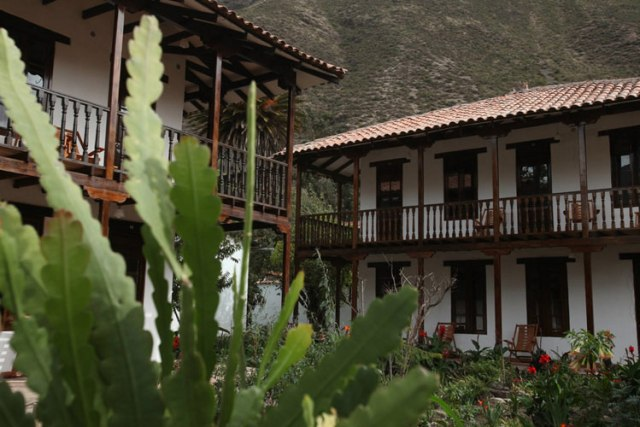 Sacred valley boutique hotel