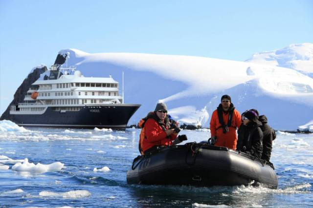 10-Day Classic Antarctica Peninsula Expedition