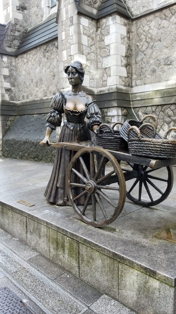 Molly Malone Statue | Adventures with Shelby
