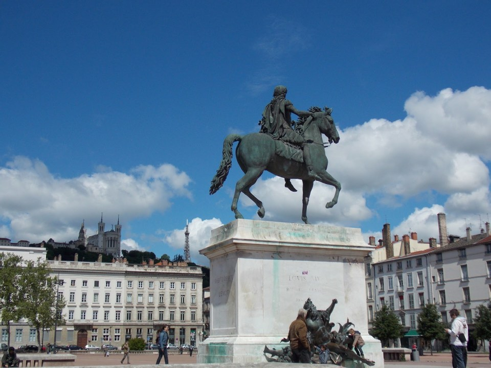 Place Bellecour | Adventures with Shelby