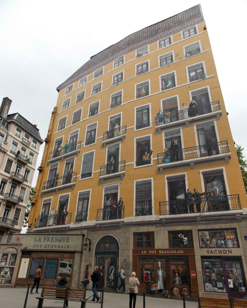 La Fresque des Lyonnais | Lyon, France | Adventures with Shelby
