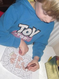Colouring gingerbread by numbers