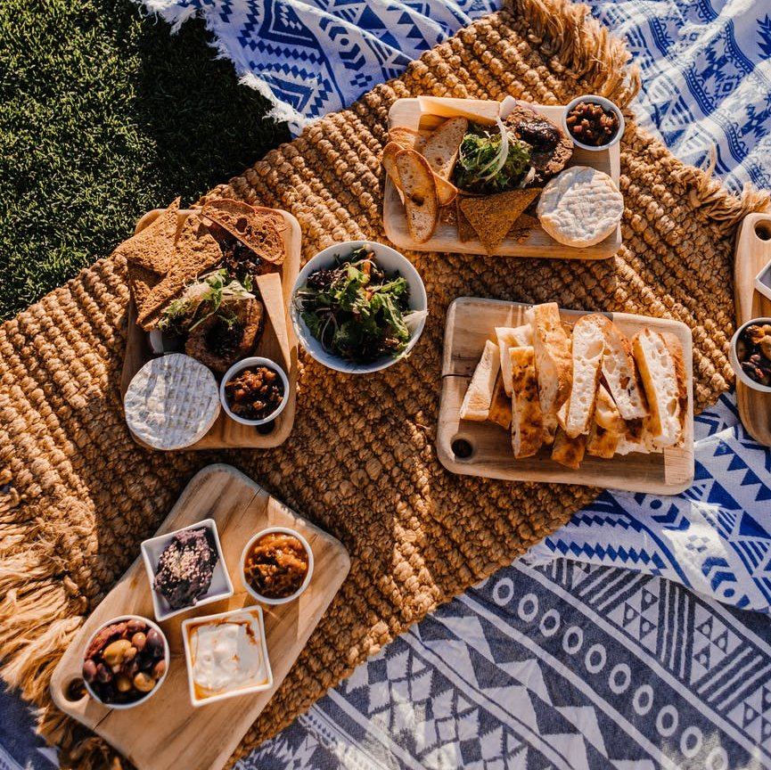 Enjoy a picnic lunch in a Huon Valley beauty spot. Photo by Rachel Claire on Pexels.com