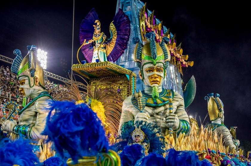 Carnaval de Rio de Janeiro, Brasil. Informaciones sobre Desfiles, Historia, Escuelas de Samba, Sambódromo y Rio en Carnaval.