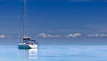 Yacht in the blue ocean