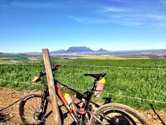Hoogekraal MTB Trails and a view of the flat top hill in Cape Town