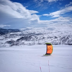 Snow kiting in the Swedish mountains
