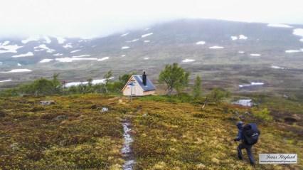 Strydalens vindskydd bjöd på skydd från regn och lunchen blev ett tvåtimmarsstopp i väntan på uppklarnande väder.