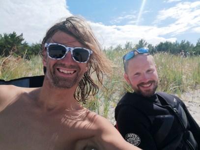 Happy kiters on the beach