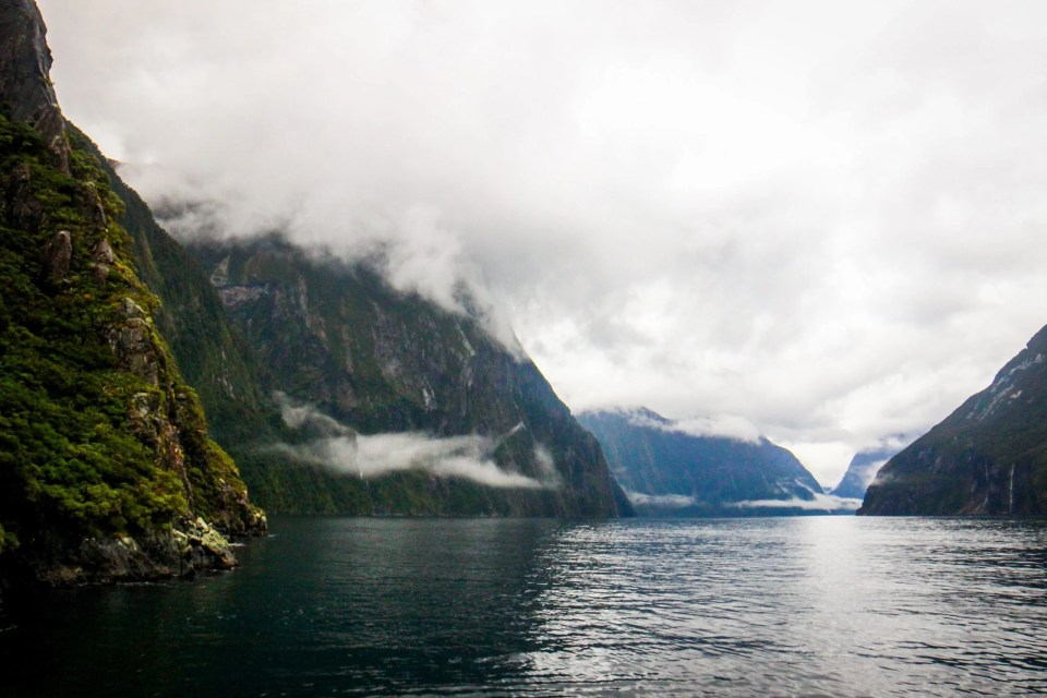 milford sound things to do in fiordland national park mirror lake new zealand south island new zealand