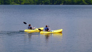 bucks-county-summer-fun-kayaking-lake-nockamixon