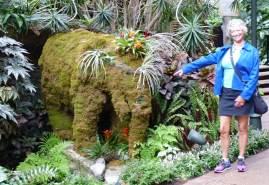 Nashville's Gaylord Opryland Resort elephant topiary