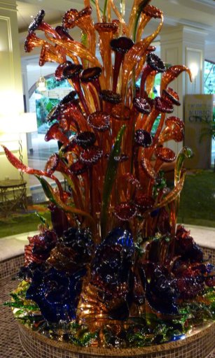 Nashville Gaylord Opryland Resort Lobby Ludek Hroch glass sculpture; similar but not Chihuly