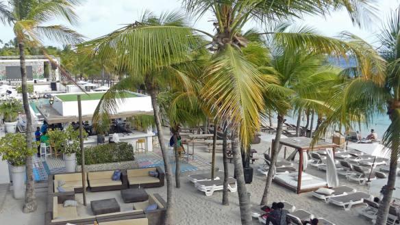 curacao vacation Best Curacao Beaches - Mambo Beach