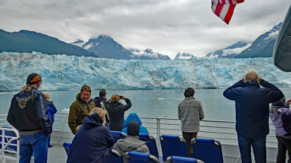 Top paid and free things to  do in Valdez - Passengers view Meares galcier