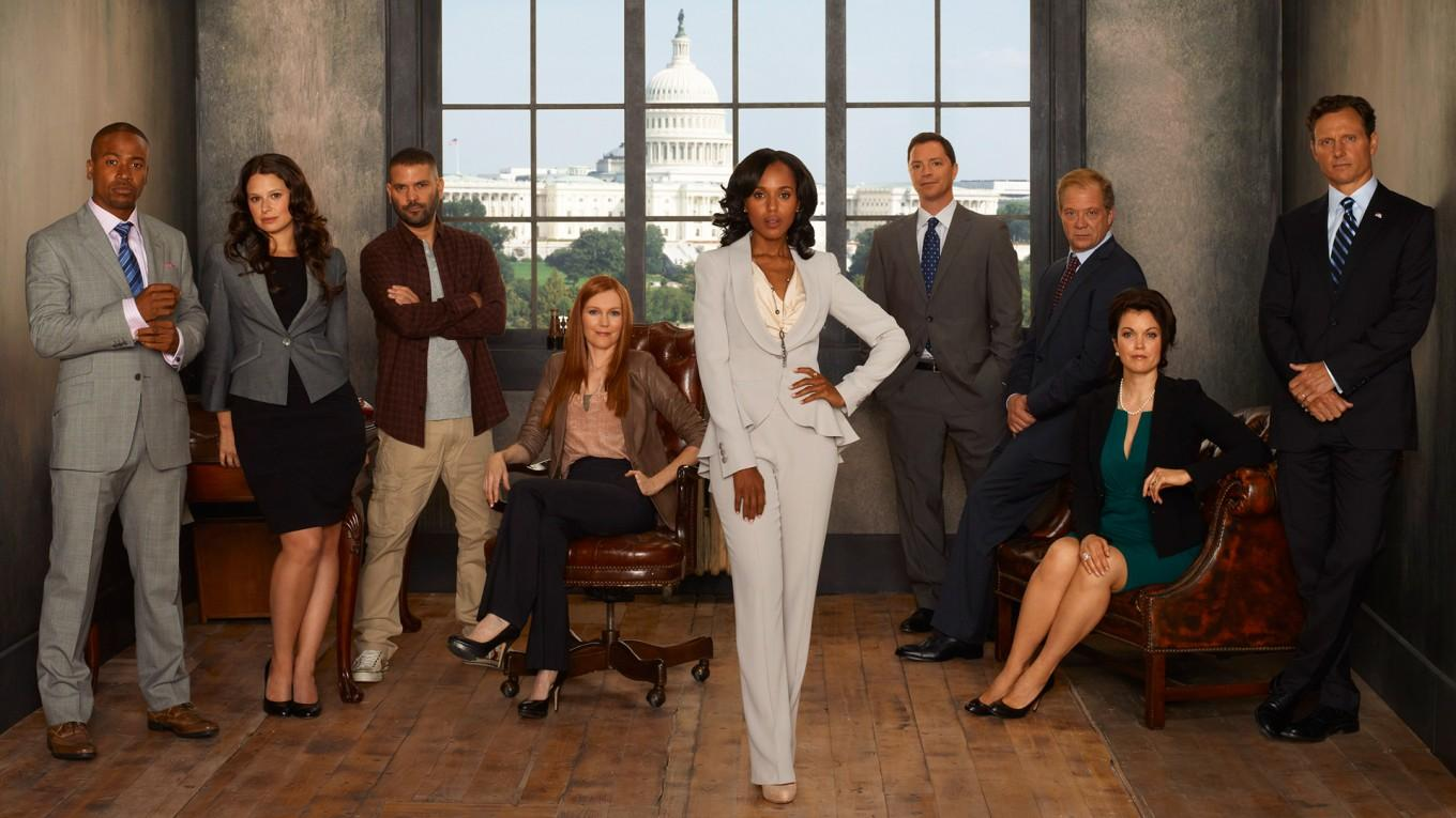 columbus short katie lowes guillermo diaz darby stanchfield kerry washington joshua malina jeff perry bellamy young tony goldwyn - Лучшие сериалы про стартапы: 8 сериалов для досуга