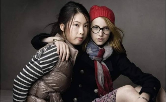 GAP-China-Print-Ad-Wang-Momo-and-Julia-Frakes