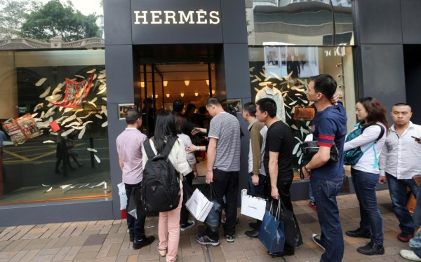 chinese-consumers-outside-hermes-luxury-brand-retail-store