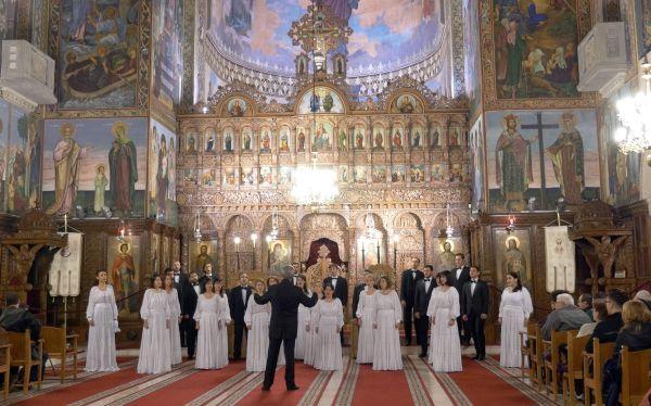 """Corul de cameră """"Preludiu"""" dirijat de Voicu Enăchescu"""